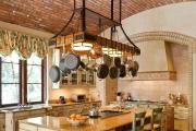 Фото 15 Дизайн кухни в деревенском доме: уютный кантри, теплый шале или утонченный прованс?