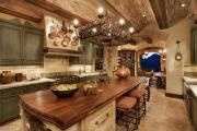 Фото 21 Дизайн кухни в деревенском доме: уютный кантри, теплый шале или утонченный прованс?