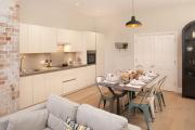 Фото 14 Варианты зонирования и дизайн для кухни-гостиной площадью 15 кв. метров