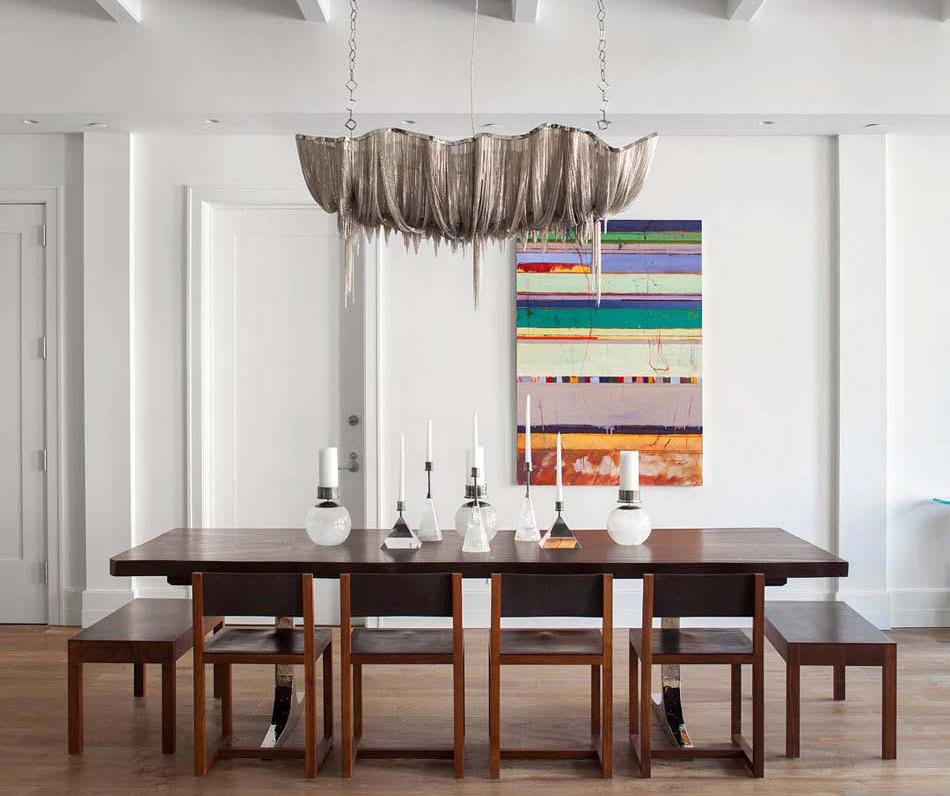 Свет гастрономии: 60 кухонь с люстрой над обеденным столом