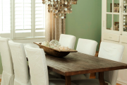 Фото 15 Свет гастрономии: обзор стильных кухонных интерьеров с люстрой над обеденным столом