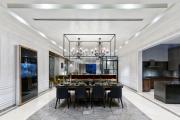 Фото 24 Свет гастрономии: обзор стильных кухонных интерьеров с люстрой над обеденным столом