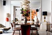 Фото 7 Свет гастрономии: обзор стильных кухонных интерьеров с люстрой над обеденным столом
