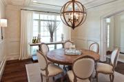 Фото 28 Свет гастрономии: обзор стильных кухонных интерьеров с люстрой над обеденным столом
