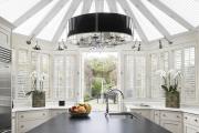 Фото 5 Нестандартные кухни: что такое дизайн вне шаблонов и обзор интерьерных трендов года