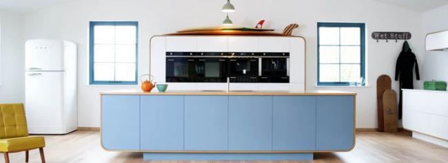 Интерьер кухни-студии в стиле ретро