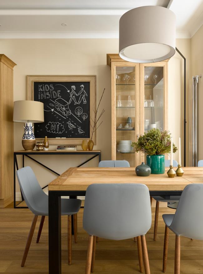 Дизайн столовой в теплых тонах