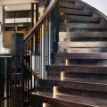 Разновидности систем подсветки лестницы и особенности монтажа фото