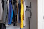 Фото 30 Компактное хранение (75+ идей): выбираем функциональный шкаф для пылесоса и гладильной доски
