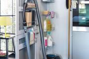 Фото 19 Компактное хранение: выбираем функциональный шкаф для пылесоса и гладильной доски