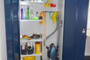 Фото 12 Компактное хранение (75+ идей): выбираем функциональный шкаф для пылесоса и гладильной доски
