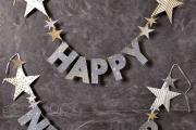 Фото 23 Трафареты на Новый год 2021: варианты праздничного декора и лучшие идеи своими руками