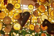 Фото 9 Трафареты на Новый год 2021: варианты праздничного декора и лучшие идеи своими руками
