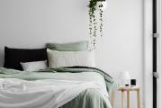 Фото 16 Интерьер бело-зеленой спальни: секреты гармоничных сочетаний и выбор декора