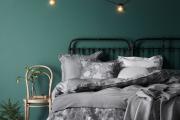 Фото 2 Интерьер бело-зеленой спальни: секреты гармоничных сочетаний и выбор декора