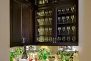 Фото 12 Зеркало в кухонном интерьере: секреты визуального расширения кухни