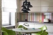 Фото 19 Зеркало в кухонном интерьере: секреты визуального расширения кухни