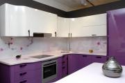 Фото 4 Зеркало в кухонном интерьере: секреты визуального расширения кухни