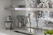 Фото 27 Зеркало в кухонном интерьере: секреты визуального расширения кухни
