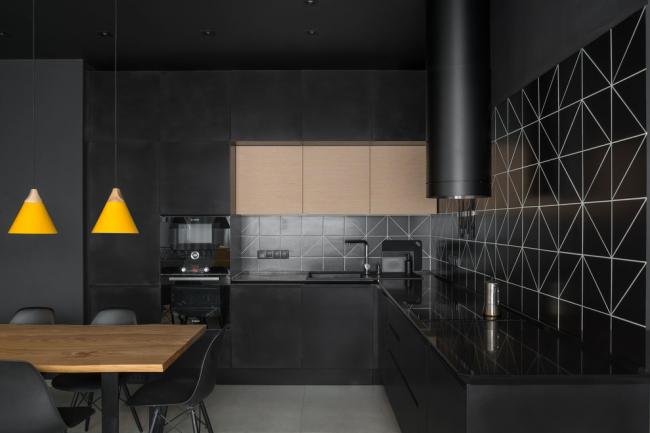 Стильная темная кухня