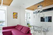Фото 18 Светлые мини-решения: особенности дизайна кухни 10 кв. метров с балконом