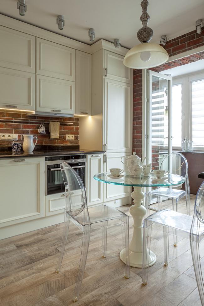 Современный стиль позволяет совмещать элементы классической мебели и стиля модерн
