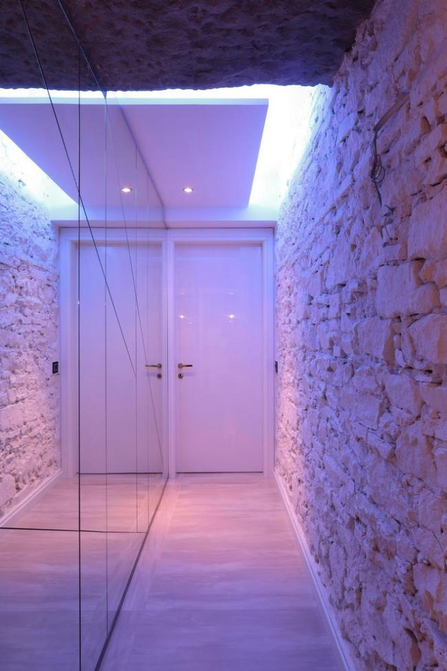 Естественное освещение в потолке