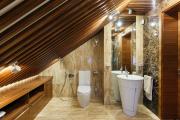 Фото 1 Альтернатива плитке в ванной: выбор экспертов — чем можно заменить кафель в санузле?