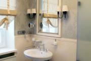 Фото 19 Альтернатива плитке в ванной: выбор экспертов — чем можно заменить кафель в санузле?