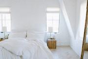 Фото 17 Трендовый цвет для спальни — белый глянец: 70+ современных и классических интерьеров в белоснежных тонах