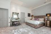 Фото 19 Трендовый цвет для спальни — белый глянец: 70+ современных и классических интерьеров в белоснежных тонах