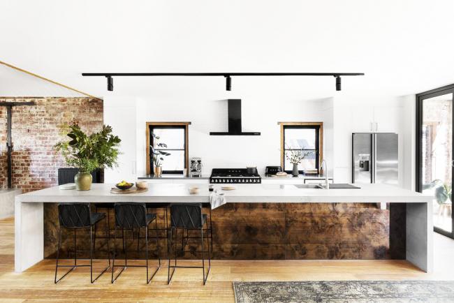 Зная основы бетонирования, можно не только изготовить новую рабочую поверхность на кухне, но и реставрировать старую, что даст возможность еще больше сэкономить