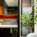 Трендовый монохром: создаем дизайн интерьера черной ванной комнаты фото
