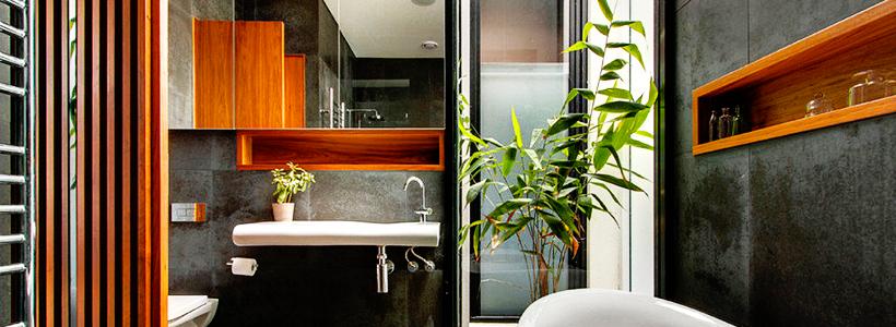 Трендовый монохром: создаем дизайн интерьера черной ванной комнаты