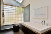 Фото 13 Черная ванная комната — тренд сезона: 65 стильных идей дизайна в черном цвете