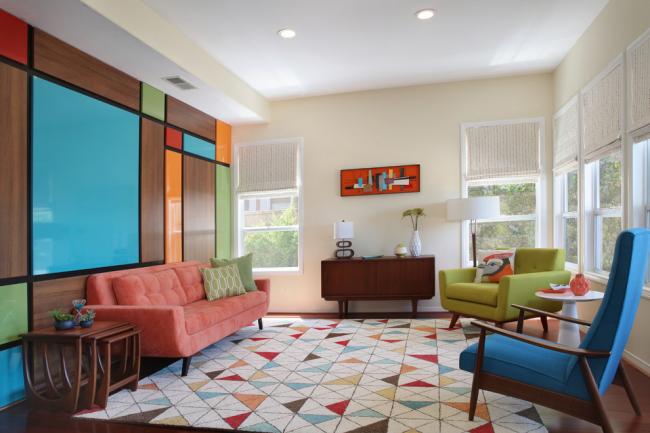 Разноцветная гостиная всегда будет поднимать настроение