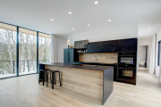 Фото 22 Варианты функциональной планировки и дизайн интерьера кухни 17 кв. метров