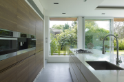 Фото 25 Варианты функциональной планировки и дизайн интерьера кухни 17 кв. метров