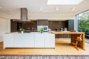 Фото 1 Варианты функциональной планировки и дизайн интерьера кухни 17 кв. метров