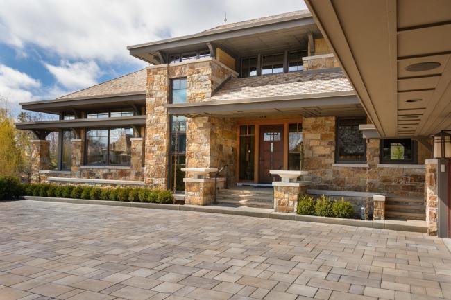 Каменные дома всегда считались символом долговечности, прочности и надежности