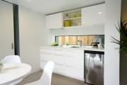 Фото 23 Прямая кухня 2,5 метра: обзор вариантов и советы по выбору правильного гарнитура