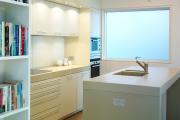 Фото 25 Прямая кухня 2,5 метра: обзор вариантов и советы по выбору правильного гарнитура