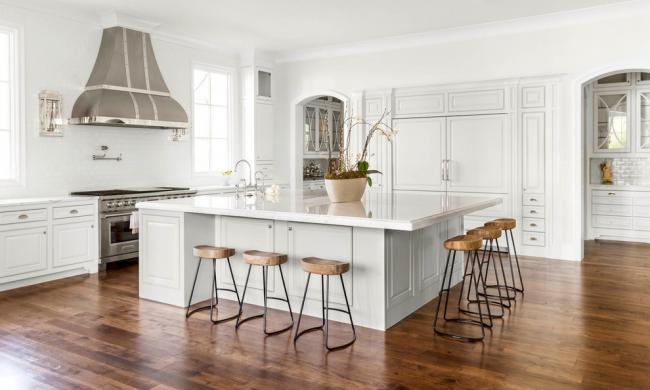 Кухонный остров может так же служить и обеденным столом