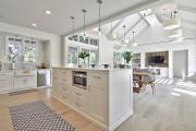 Фото 12 Обилие света и воздуха: секреты дизайна интерьера кухни на 40 кв. метрах