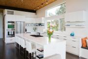 Фото 17 Обилие света и воздуха: секреты дизайна интерьера кухни на 40 кв. метрах