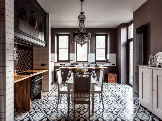 Гармоничное сочетание элементов мебели и декора - основная характеристика стиля