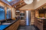 Фото 2 Альпийская романтика: 60+ теплых и уютных фотоидей для кухни в стиле шале