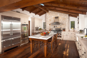 Фото 25 Альпийская романтика: 60+ теплых и уютных фотоидей для кухни в стиле шале