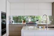 Фото 5 Дизайн кухни вдоль окна (60+ фото и идей планировки): безусловный стиль и эргономика