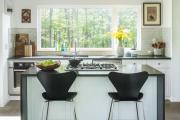 Фото 9 Дизайн кухни вдоль окна (60+ фото и идей планировки): безусловный стиль и эргономика